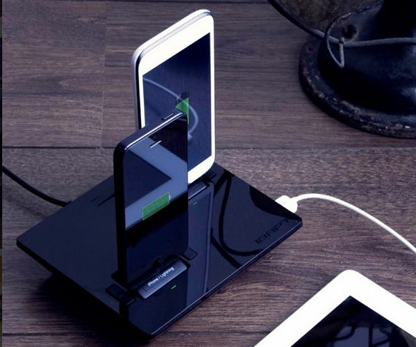 03-idapt-universal-charger-i3.jpg