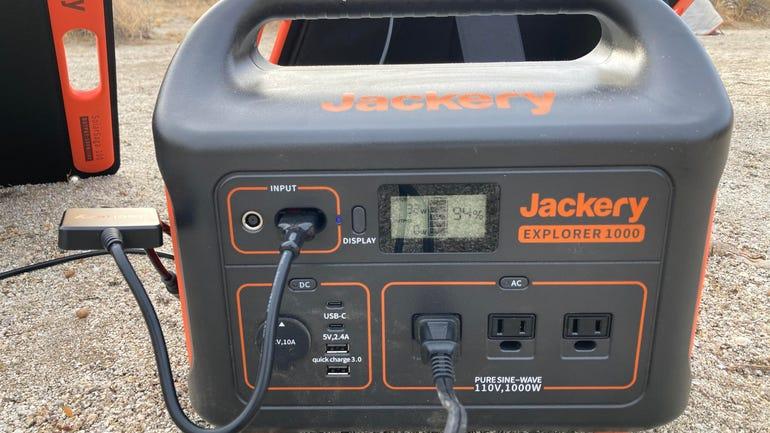 Jackery Explorer 1000 power bank.jpg