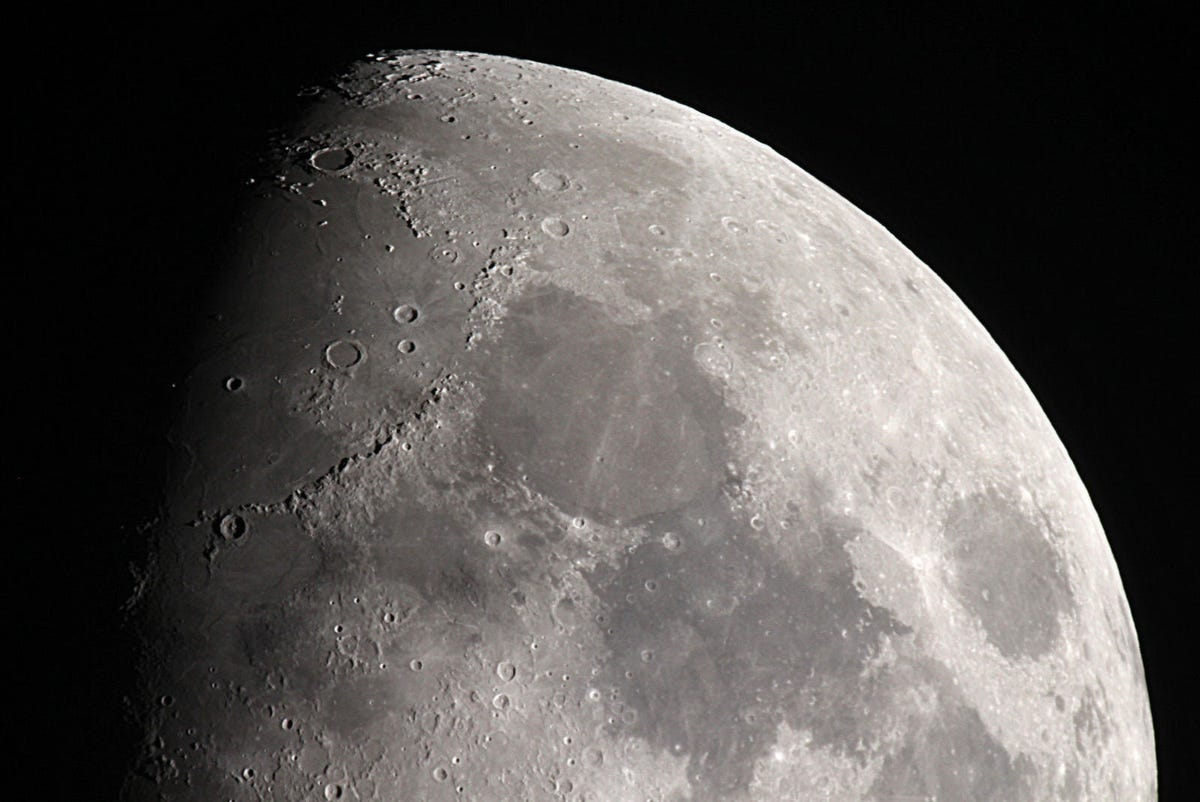 Des fusées pour extraire de l'eau sur la Lune
