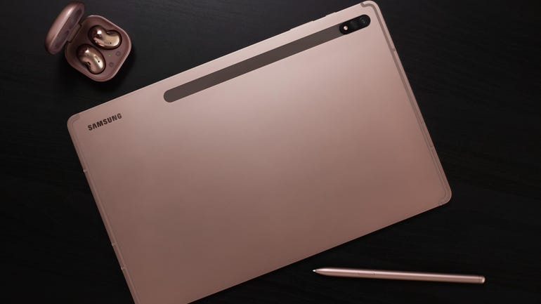 galaxy-tab-s7-and-buds-live-mystic-bronze-lifestyle.jpg