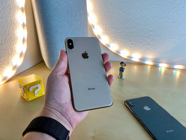 iphone-xs-max-2.jpg