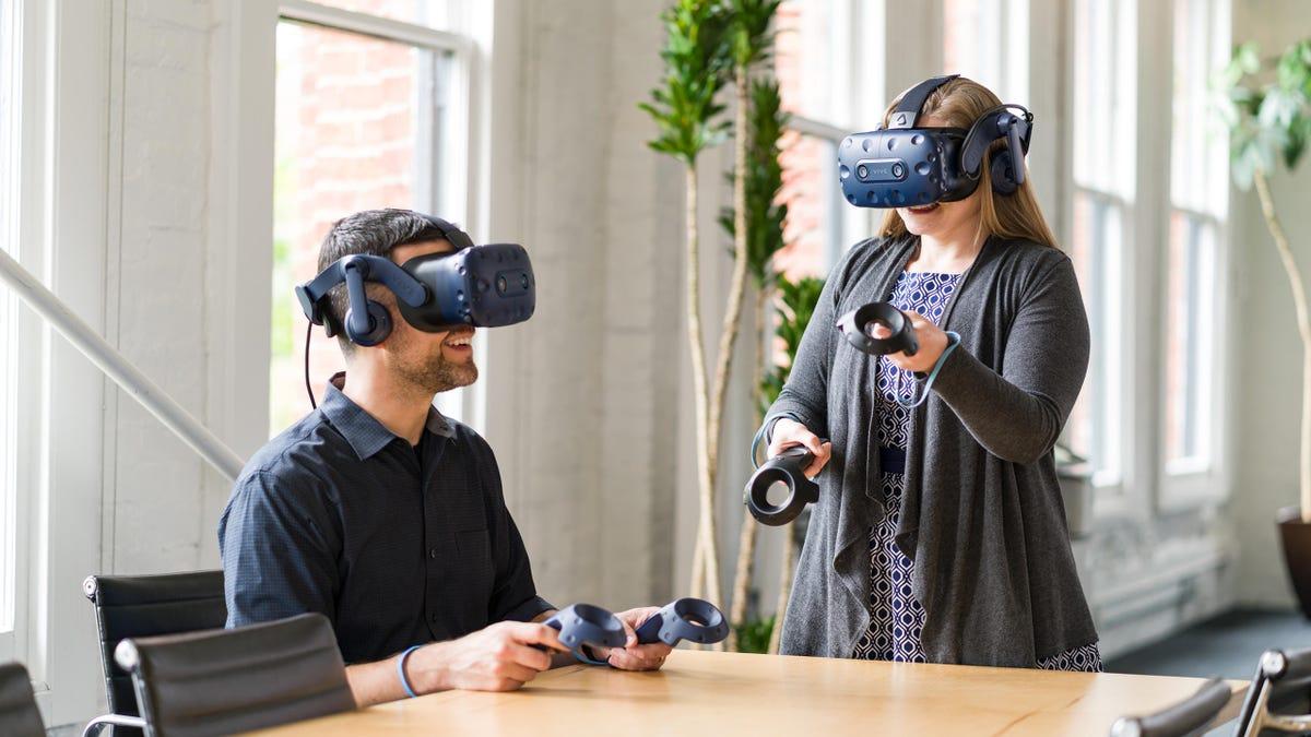 vive-pro-eye-office-multi-user.jpg