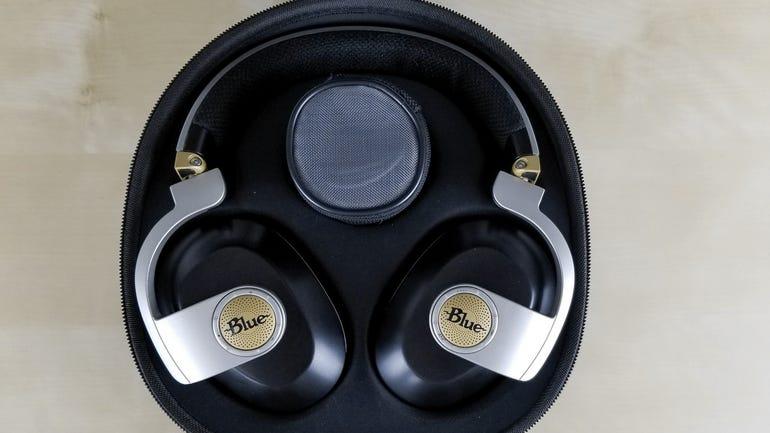 blue-microphones-satellite-wireless-headphones-1.jpg