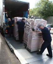 Flossie being unloaded