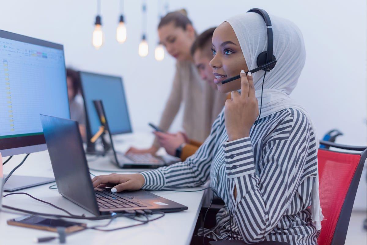 computer-support-specialists-shutterstock-1659654739.jpg