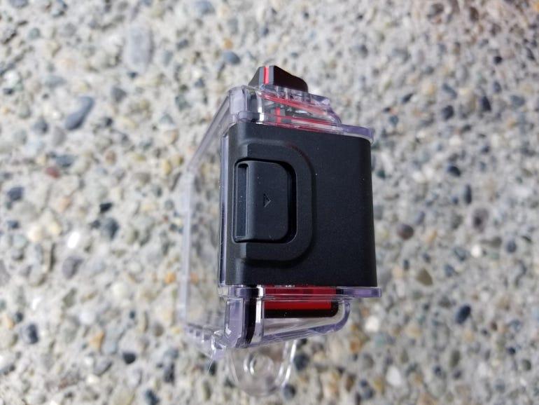 Waterproof case locking mechanism