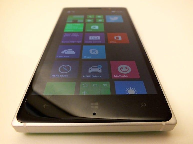 lumia830-1