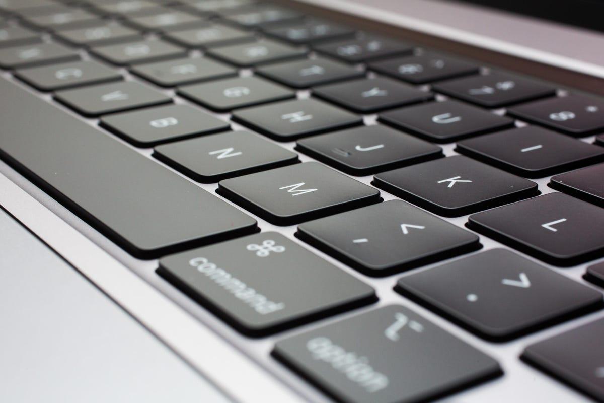 08-macbook-pro-16-inch1.jpg